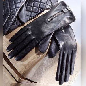 New w/tags  Michael Kors leather gloves